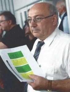 DSB-Vizepräsident Sport Gerhard Furnier leitet das Bundeskönigsschießen.