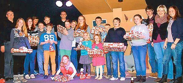 """Große Freude: Die Kinder im """"Kinderhaus Wehde"""" machten bei der Bescherung große Augen."""
