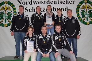 Rhode, Carsten; Sassen, Miriam; Gerdes, Christine; Tönjes, Burghard; Peper, Günther (Trainer); Venekamp, Selina; Trepiak Frank; Wempen, Rene.
